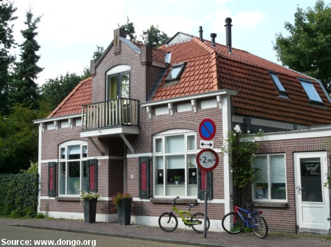 Houses the netherlands belgium travel pictures for Dutch house